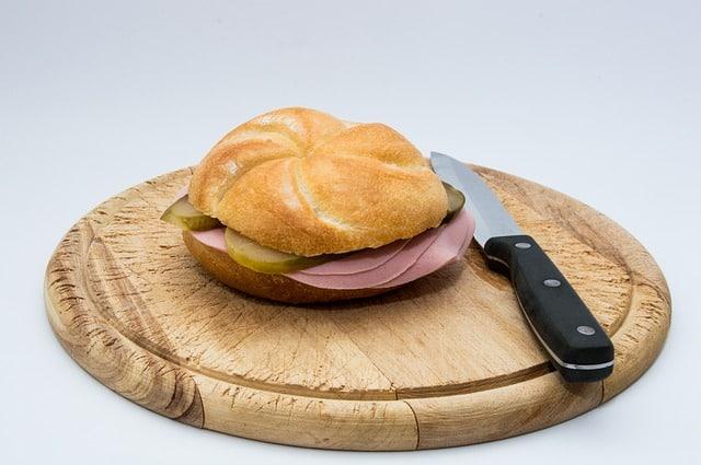 Extrawurst bread